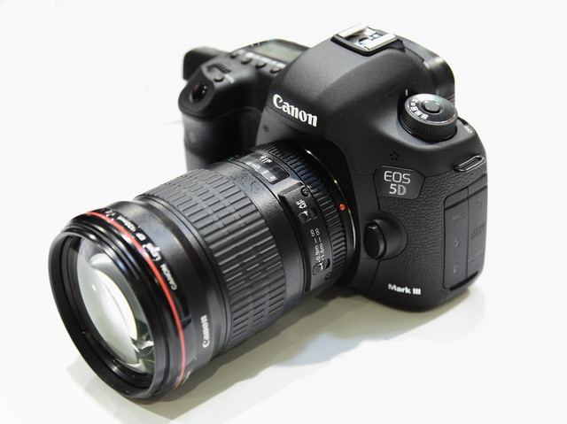 Canon EOS 5D Mark-III among best DSLR Cameras