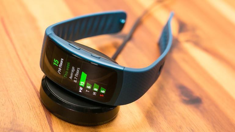 fitness wearable fitbit blaze gearfit 2 or apple watch. Black Bedroom Furniture Sets. Home Design Ideas