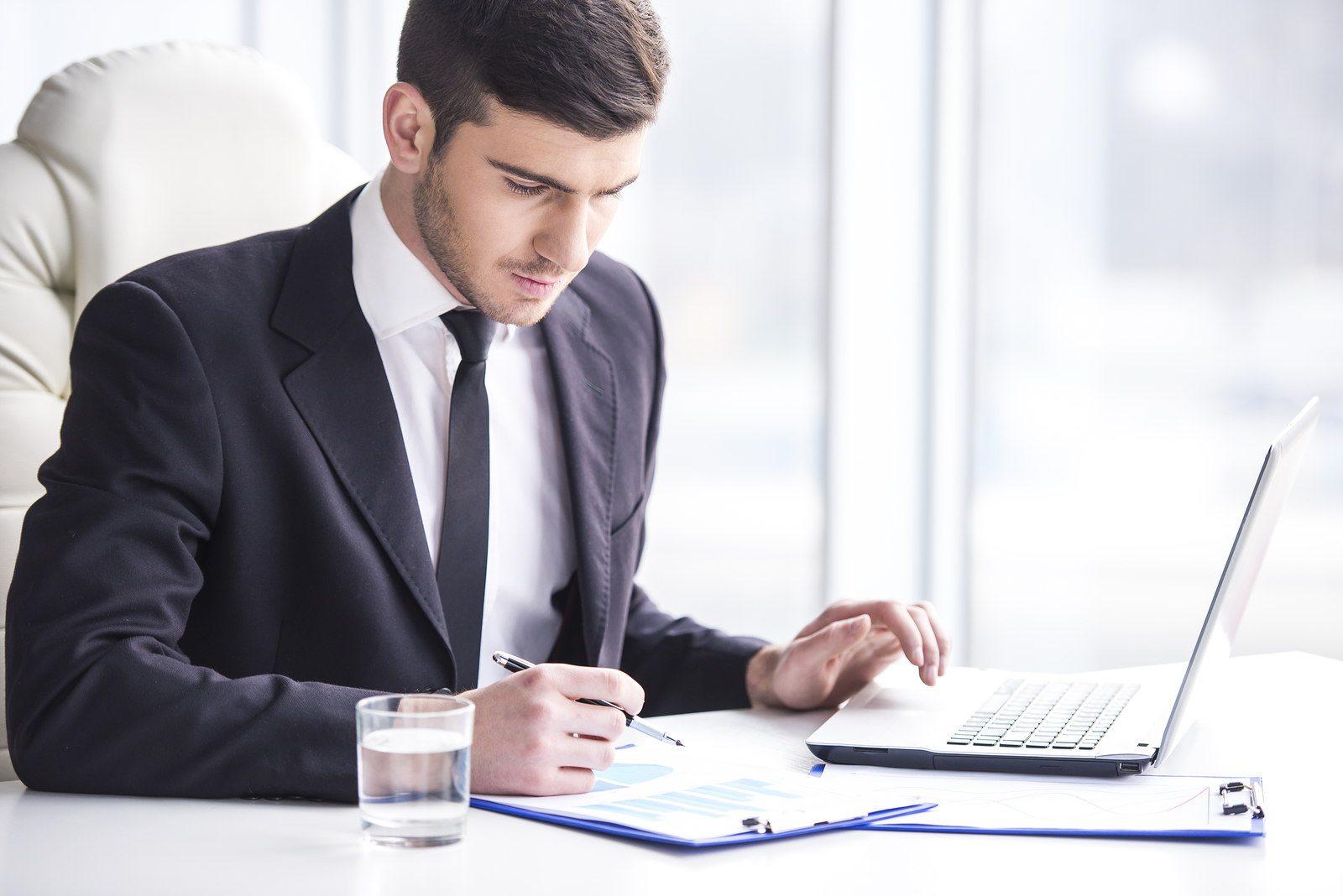 reviewer in partnership and corporation A corporation is a separate legal entity from its owners a partnership is a business entity with individuals who share the risk and benefits of business.