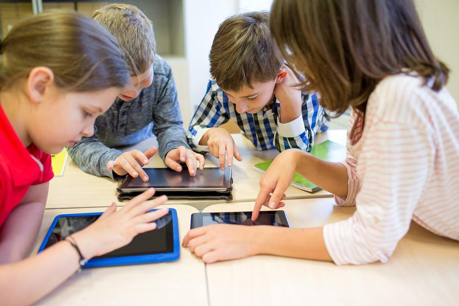 Effective educational tools for Interactive Classrooms