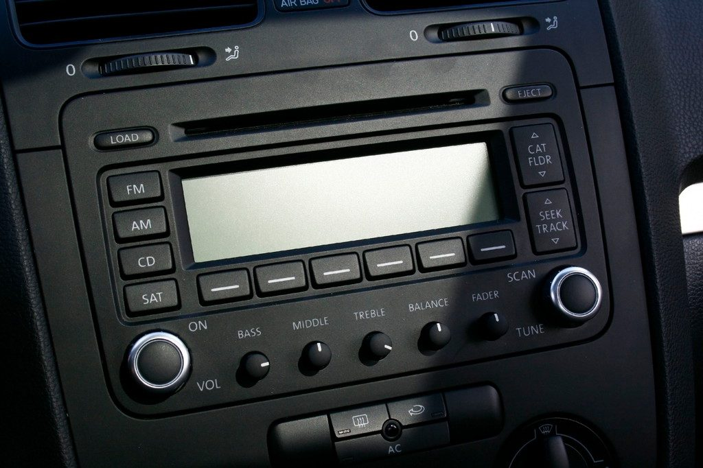 Buying In-Dash Audio Unit