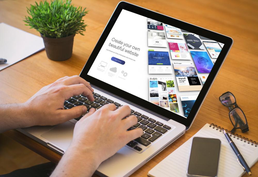 Pros y contras del creador de sitios web en línea