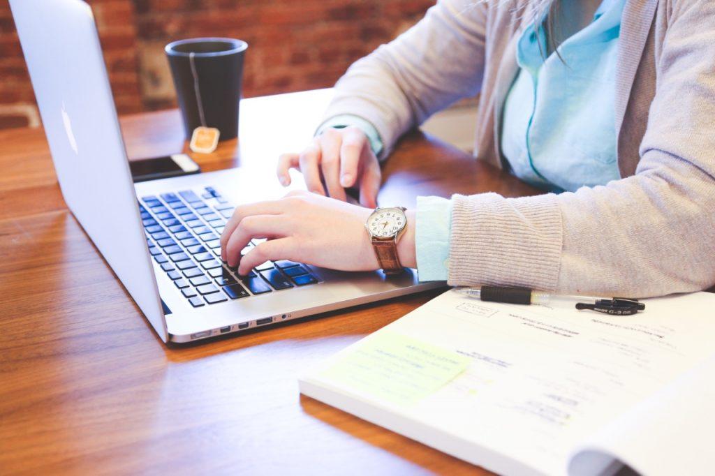 Servicios de marketing digital para bufetes de abogados para ganar dinero en línea